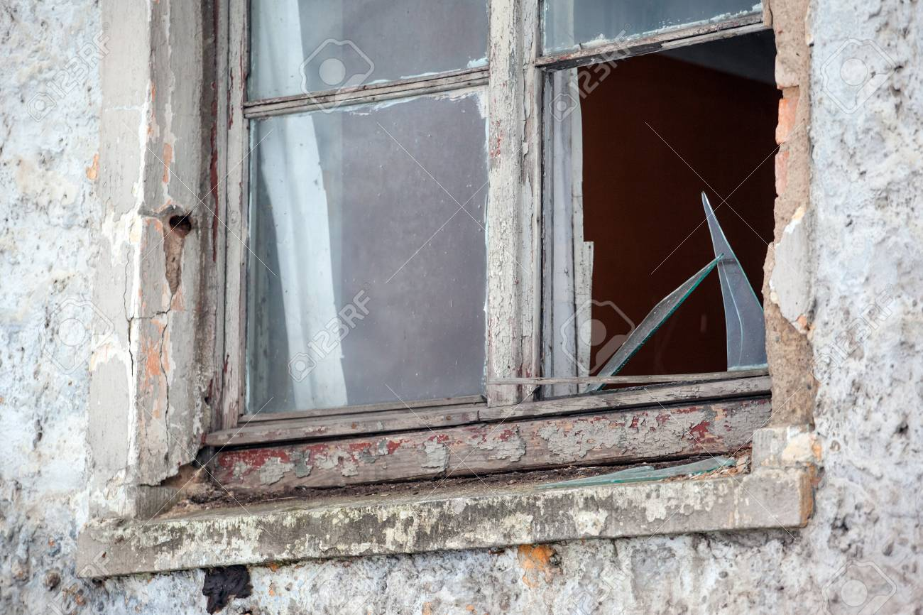 Phenomenal Broken Glass In The Window Of An Abandoned House Download Free Architecture Designs Itiscsunscenecom
