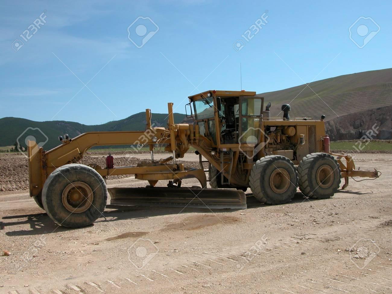 Earth Grader at Zortman Landusky Mine, Montana. Stock Photo - 6808080