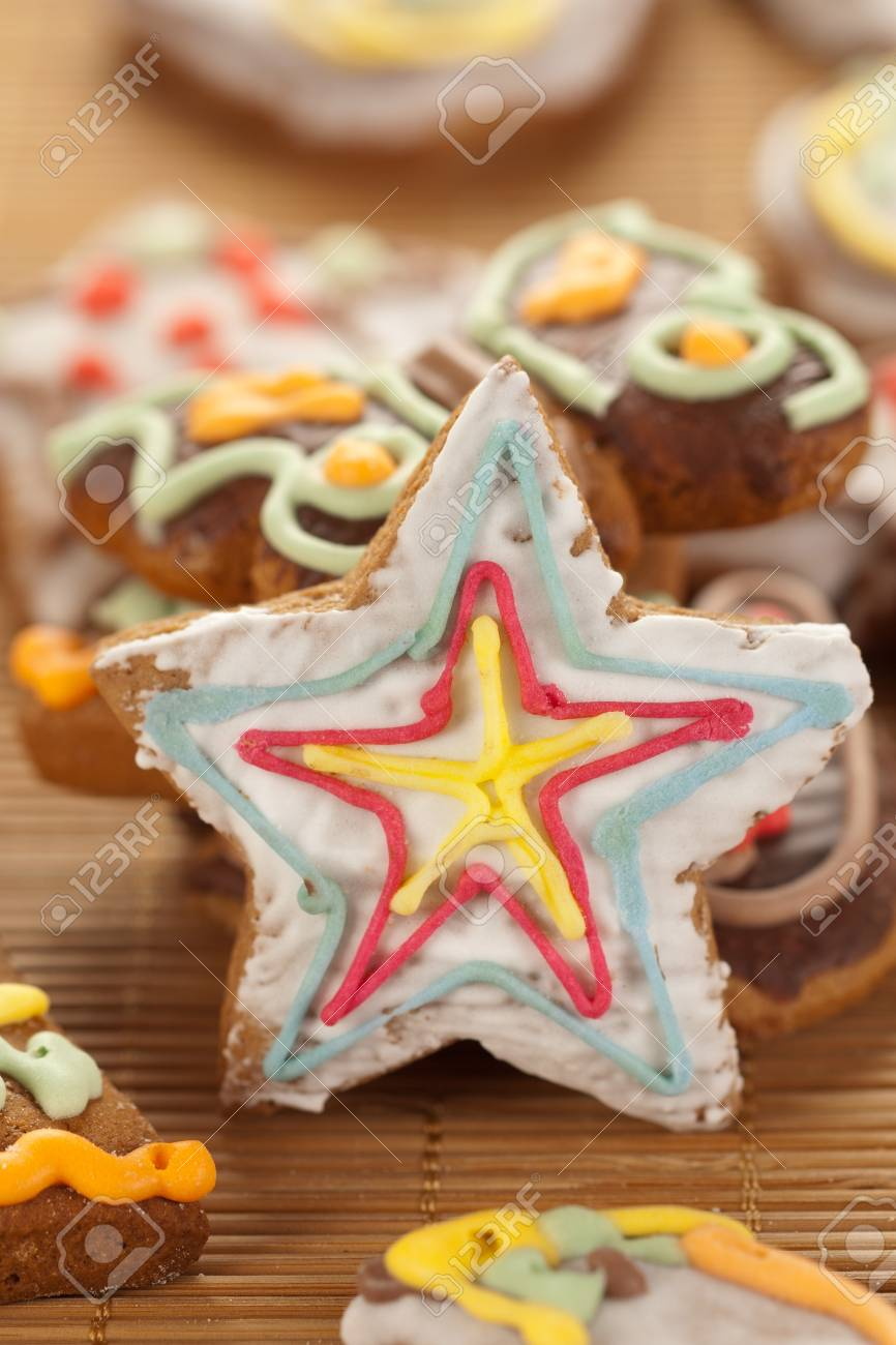 Star shaped gingerbread Stock Photo - 11108792