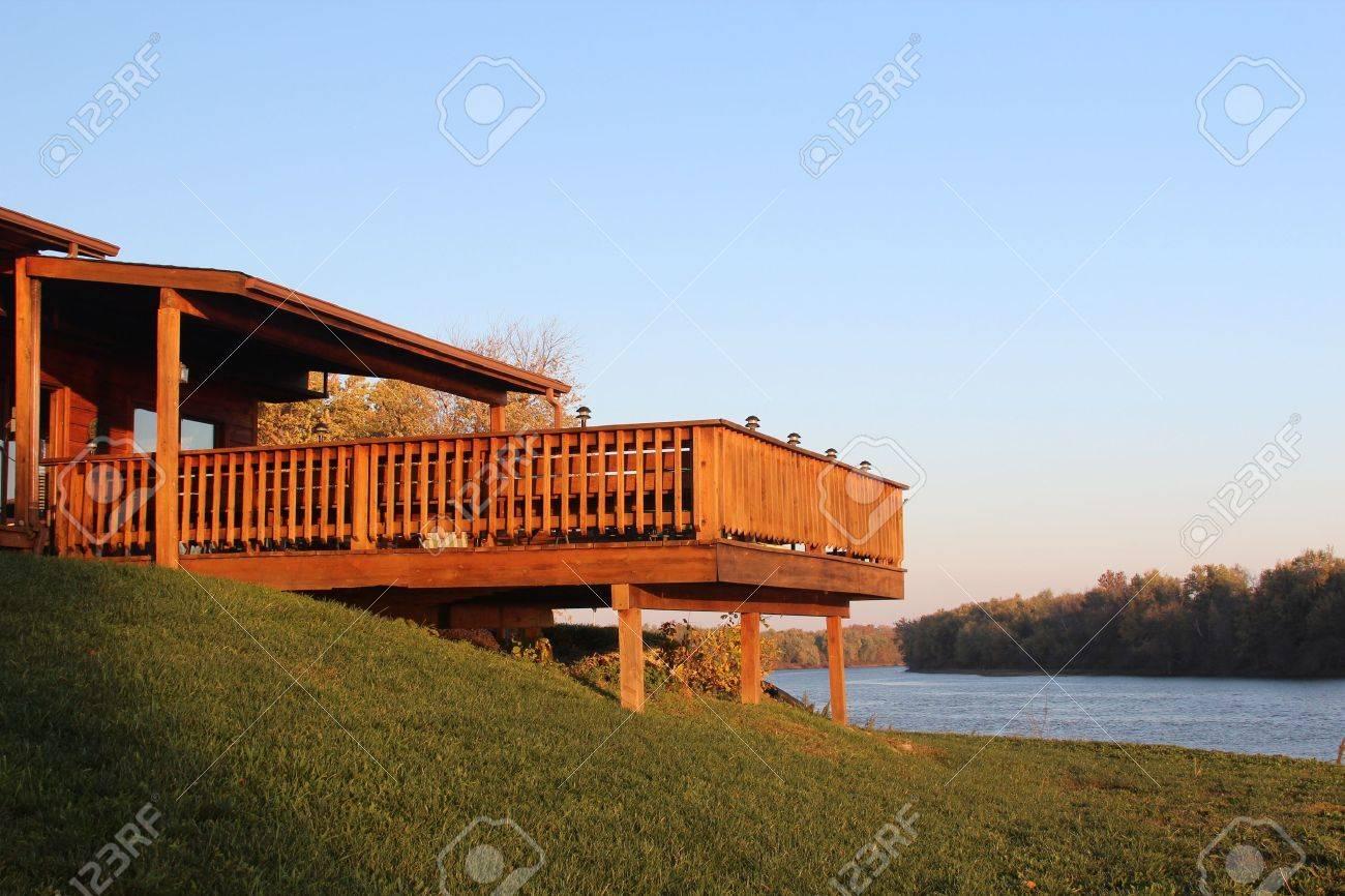 Terrasse Surélevée En Acier terrasse surélevée avec vue sur l'eau