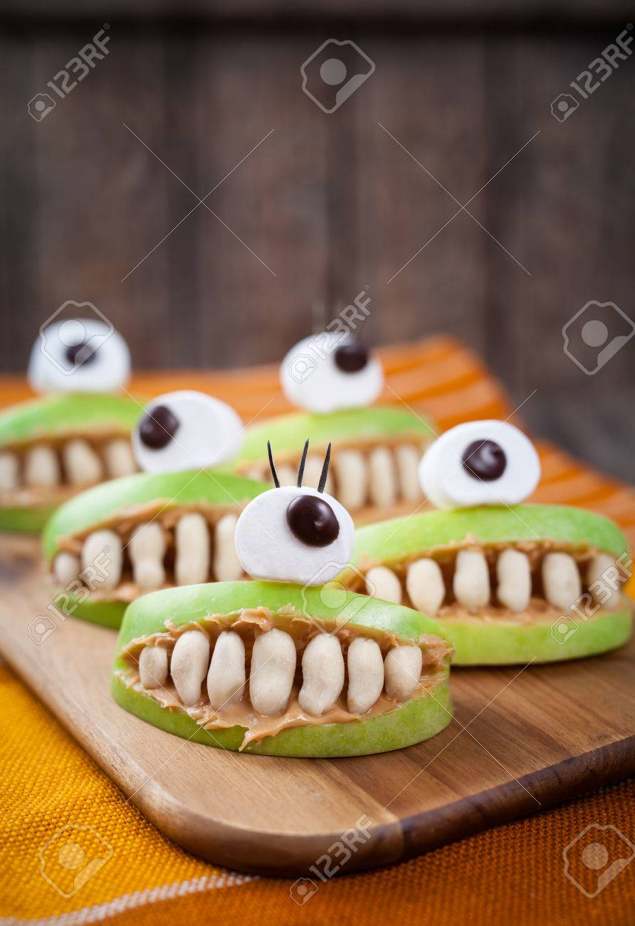 scary halloween food monsters healthy natural snack sweets for party decoration recipe homemade spooky apple