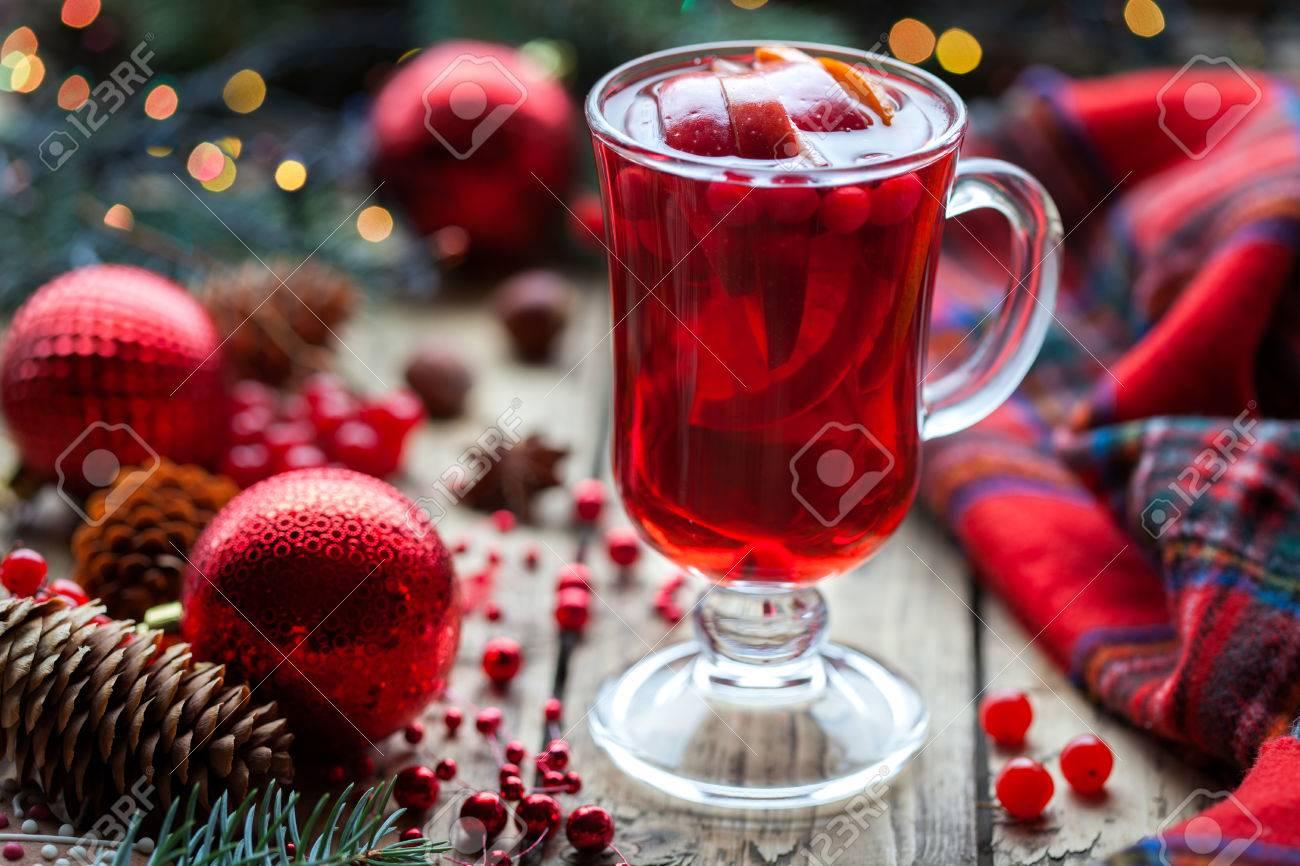 Weihnachten Heiße Cranberry Glühwein, Orange Granatapfel Punsch Oder ...