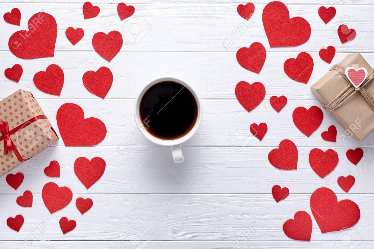 regalo di San Valentino dopo due mesi di incontricosa per il messaggio di una ragazza su un sito di incontri esempi