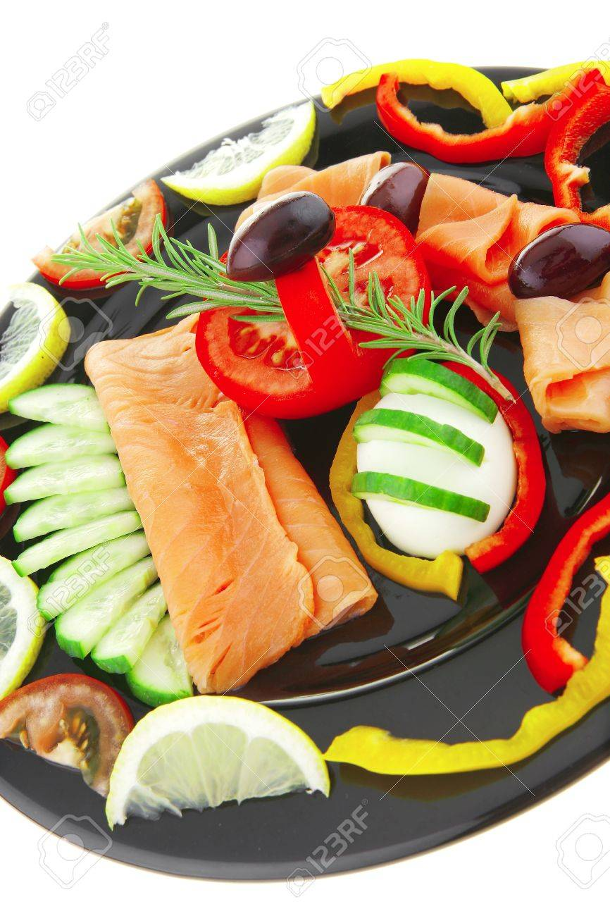 image of served salmon slices and vegetables - 7774592