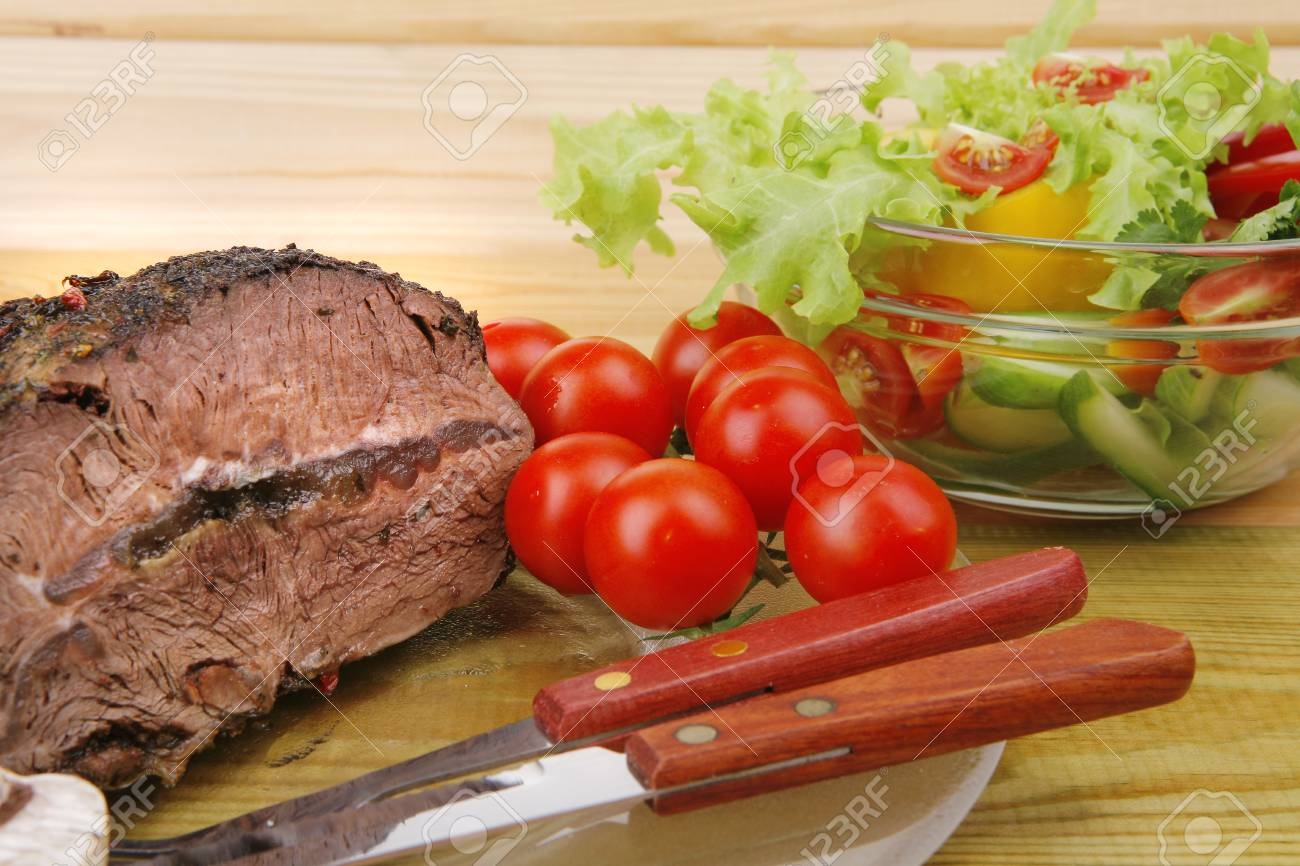 roastbeef on transparent plate and salad bowl Stock Photo - 7774598