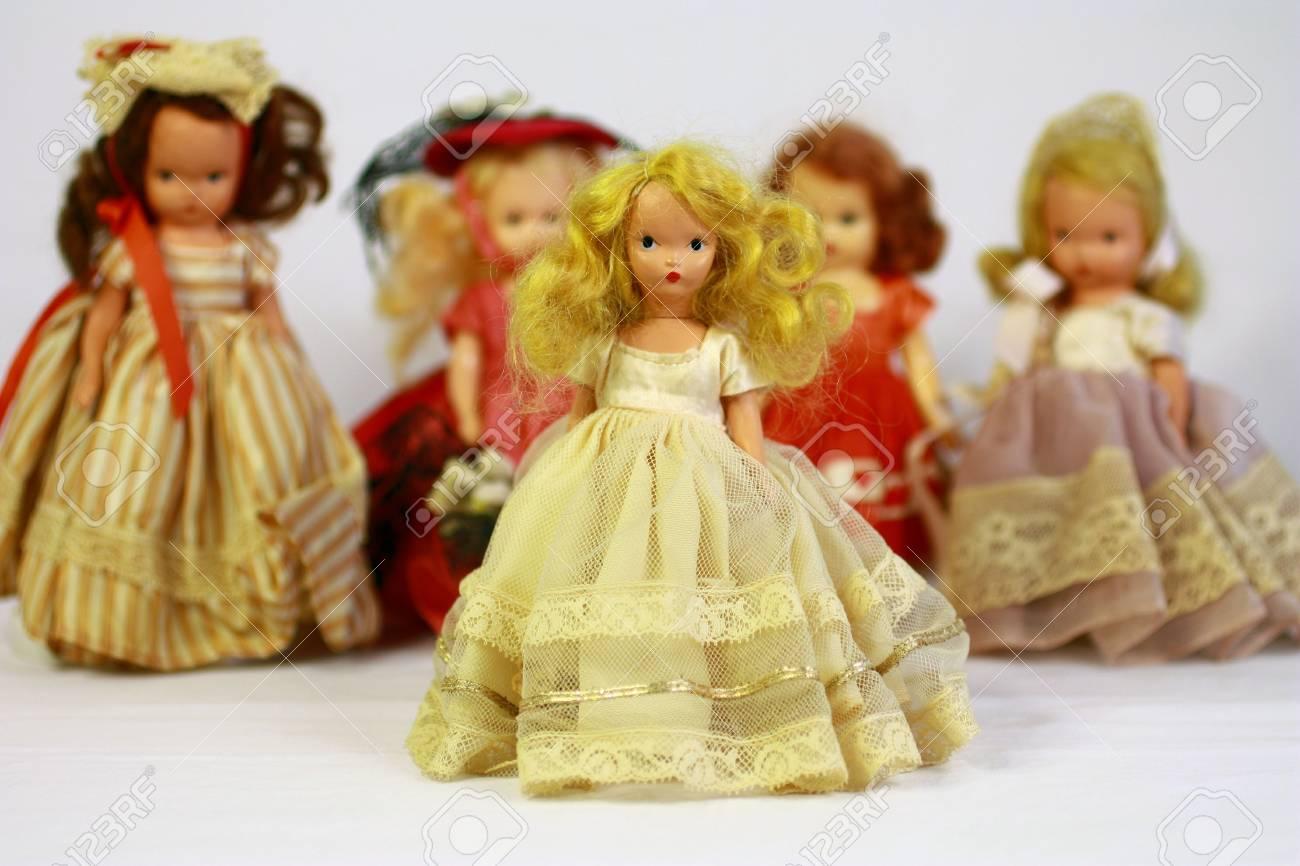 Antique dolls Stock Photo - 7147908