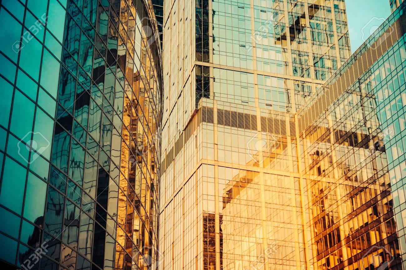 Lovely Modern Glass Wall Art Ideas - The Wall Art Decorations ...