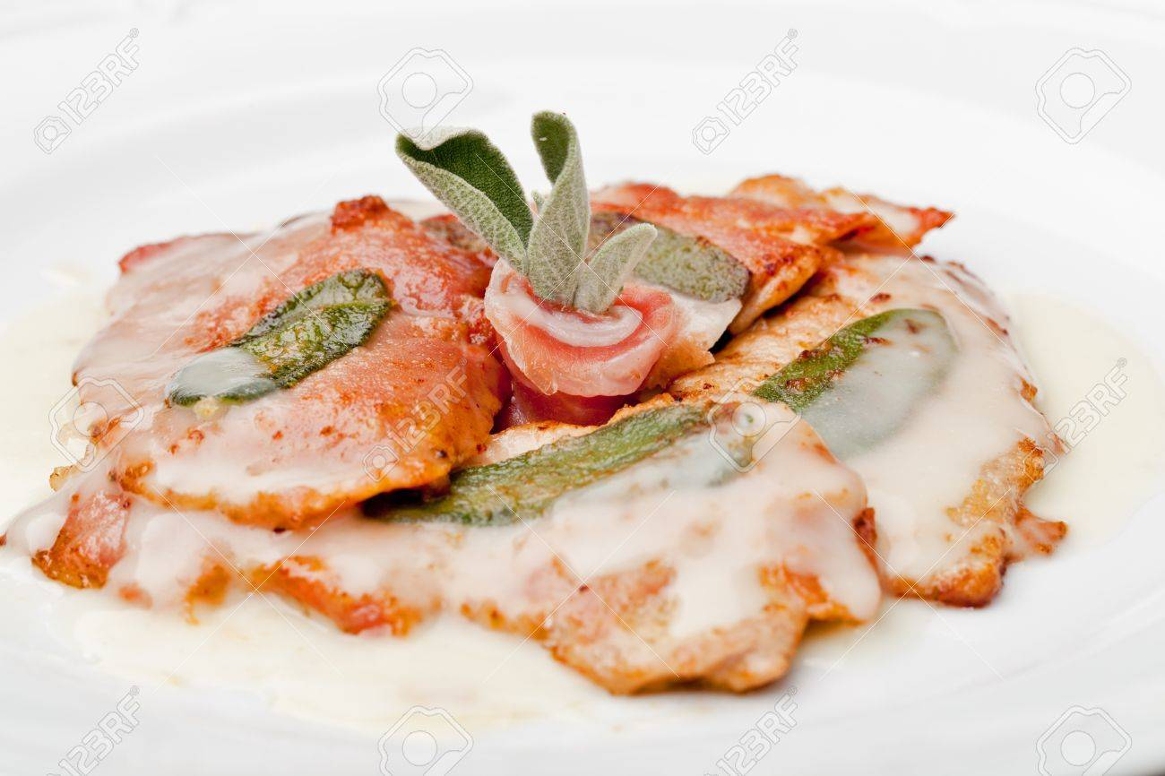 Saltimbocca - Fette Di Carne Di Vitello Con Prosciutto E Foglie Di ...