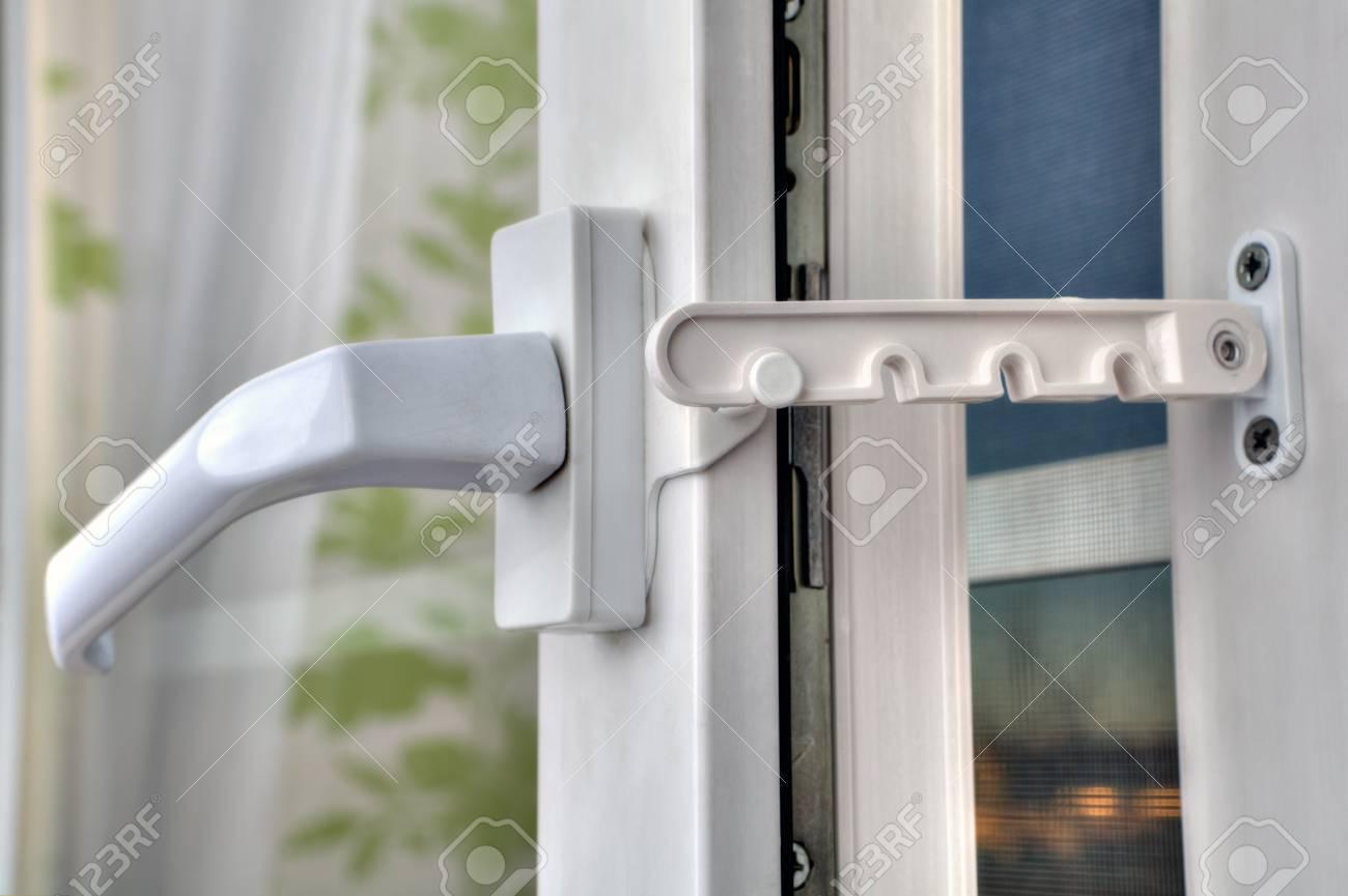 Utilisation Du Limiteur Douverture De Fenêtre Pvc Lorsque Les