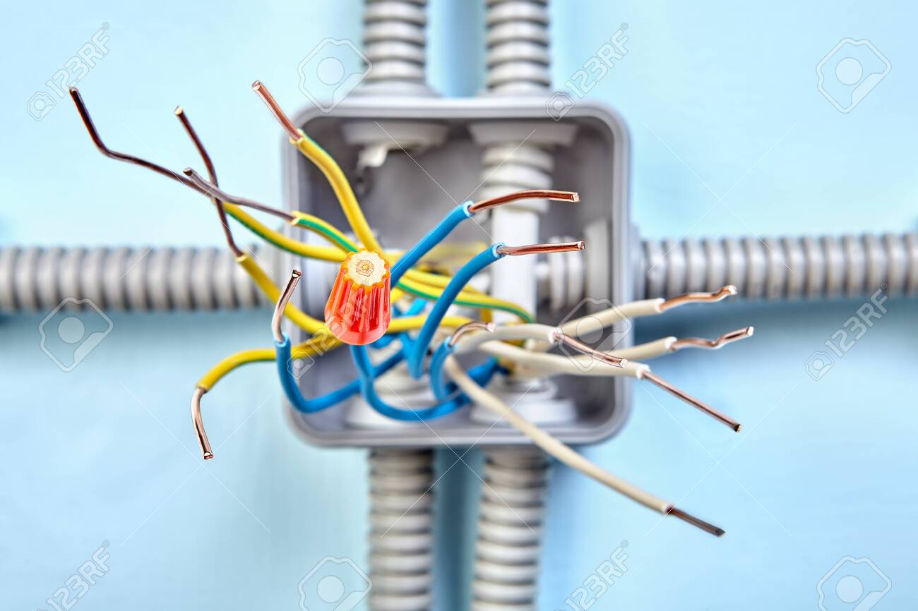 Junction box wiring diagram for extend electrical wire in wall.. on
