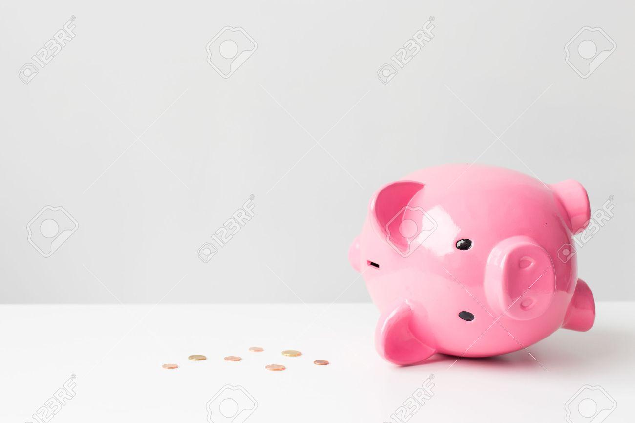 Empty piggy bank - 37177044