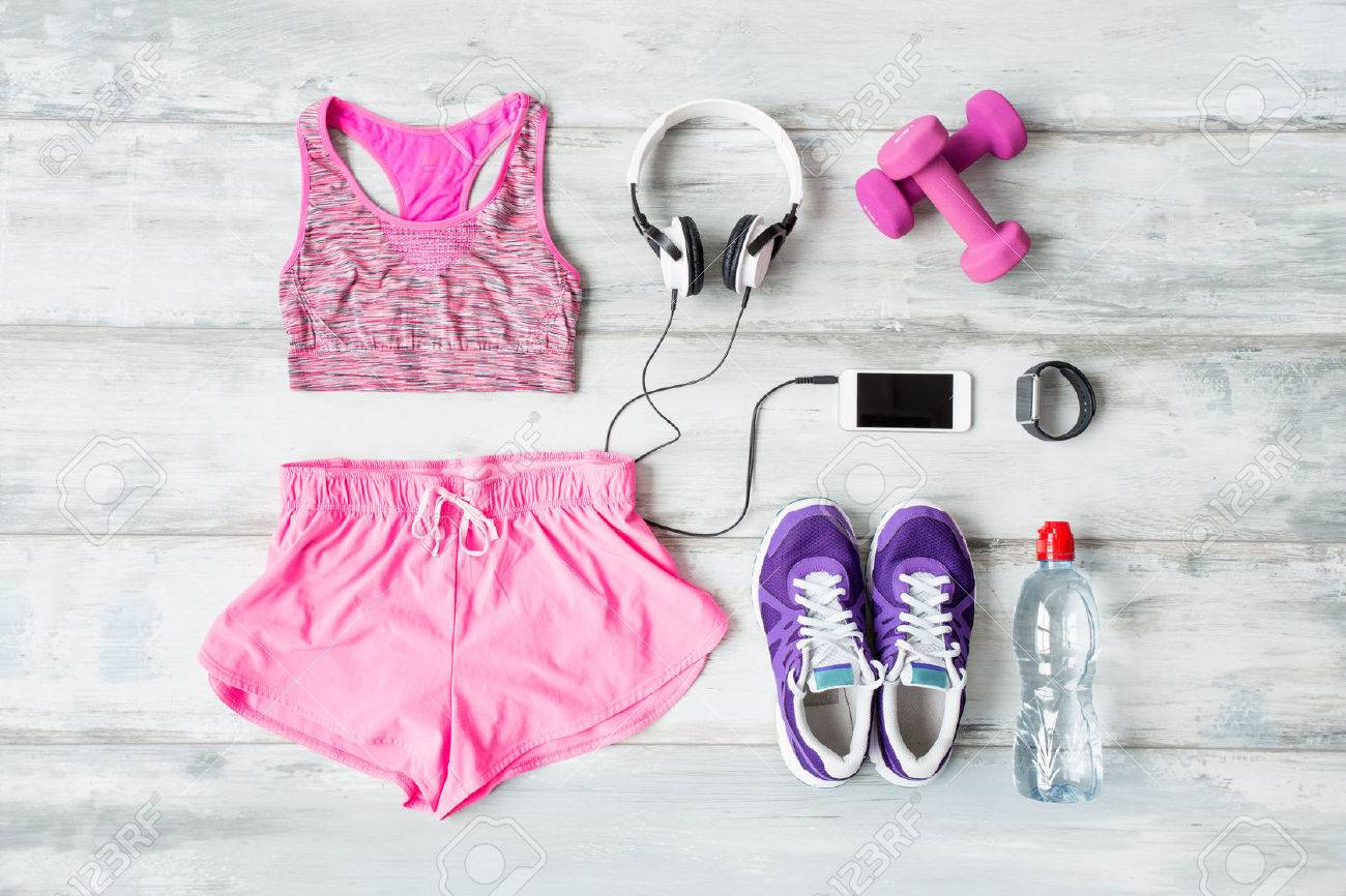 Workout objects on the floor - 56999833