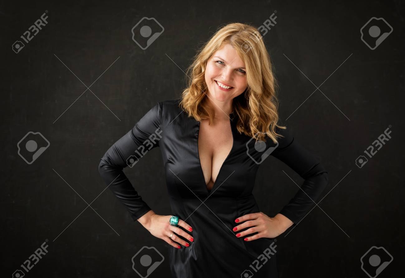 Woman in black dress - 85809880