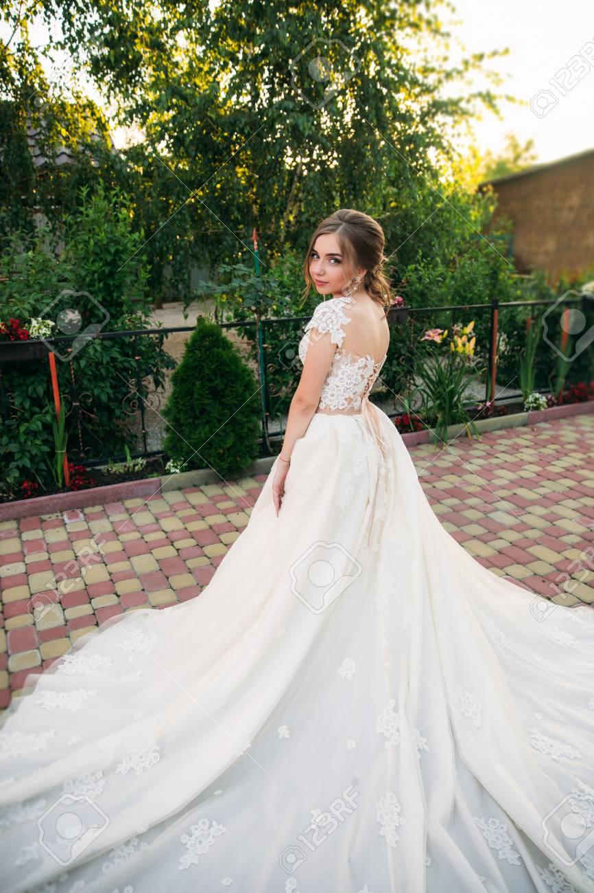 Vestidos para boda chica joven