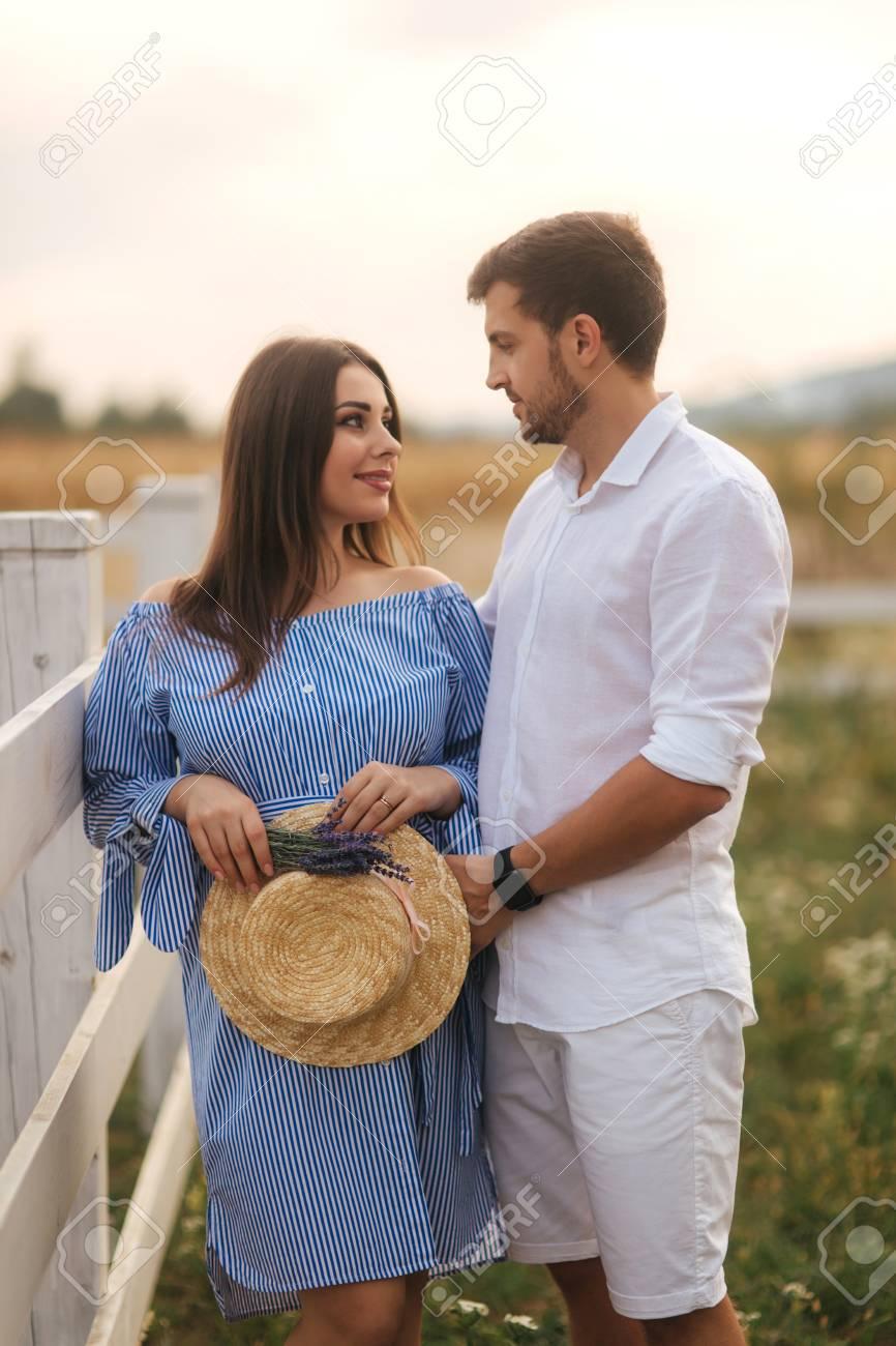 how women show love