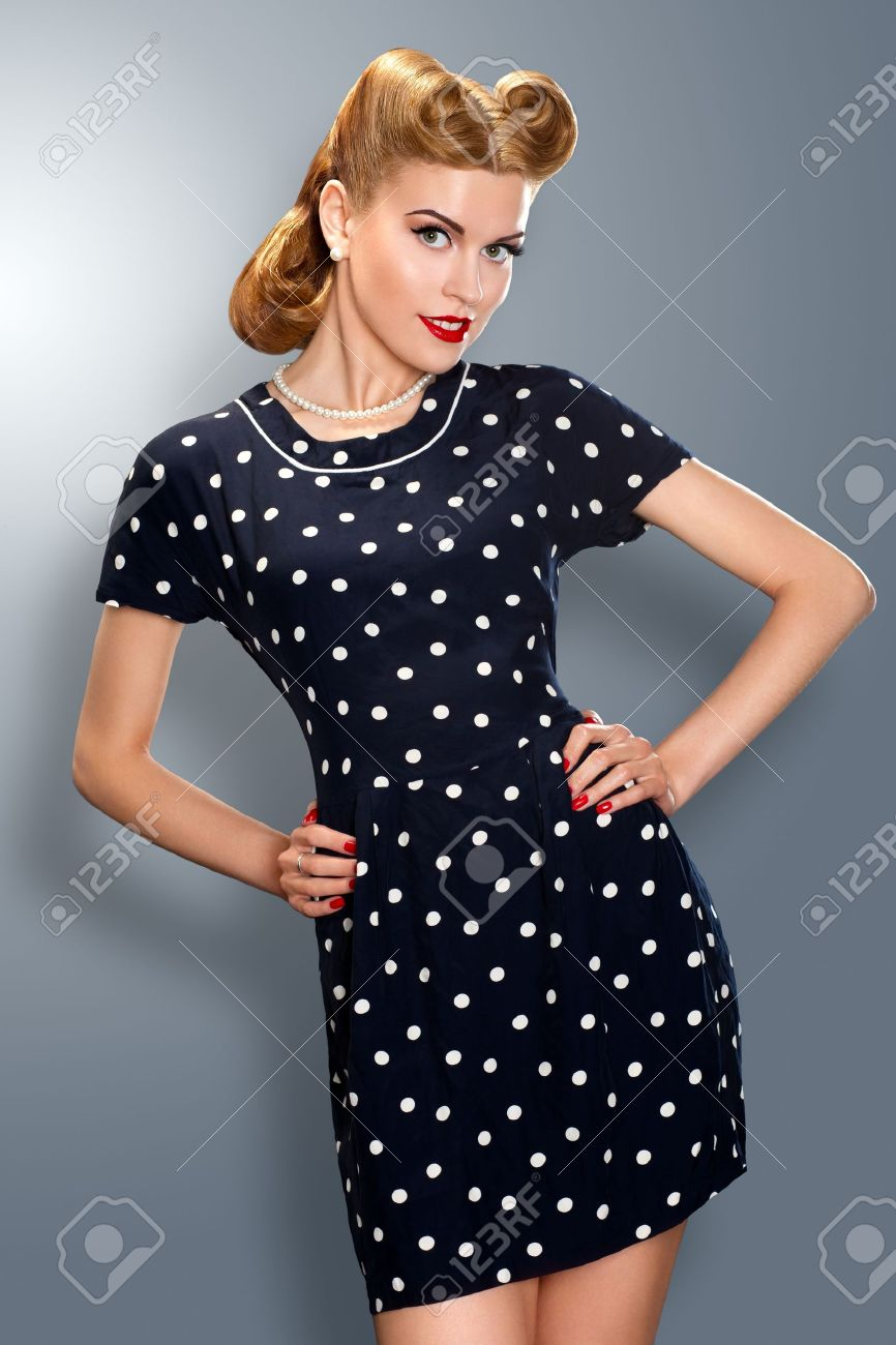 Pin-up Girl In Retro Vintage Old-fashioned Dress In Romantic ...