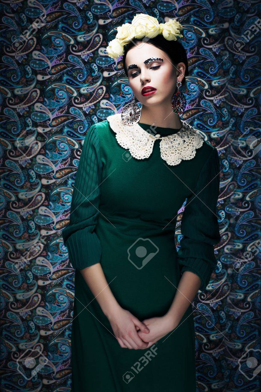 Romantic Young Styled Woman in Green Vintage Dress  Pin-up Stock Photo - 18299652