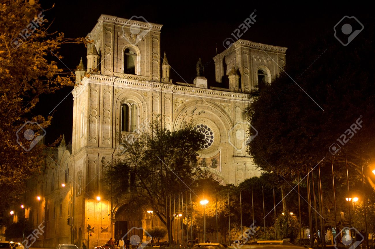 Night view of the Cathedral of the Immaculate Conception, Cuenca Ecuador Stock Photo - 16777957