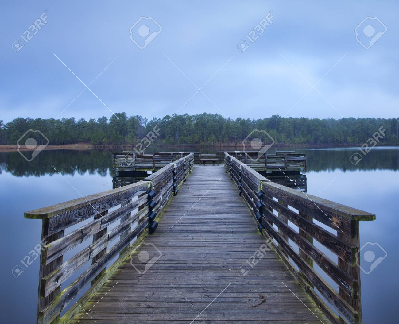 Handicapped Fishing Dock At Upchurch Lake In The Early Morning Stock