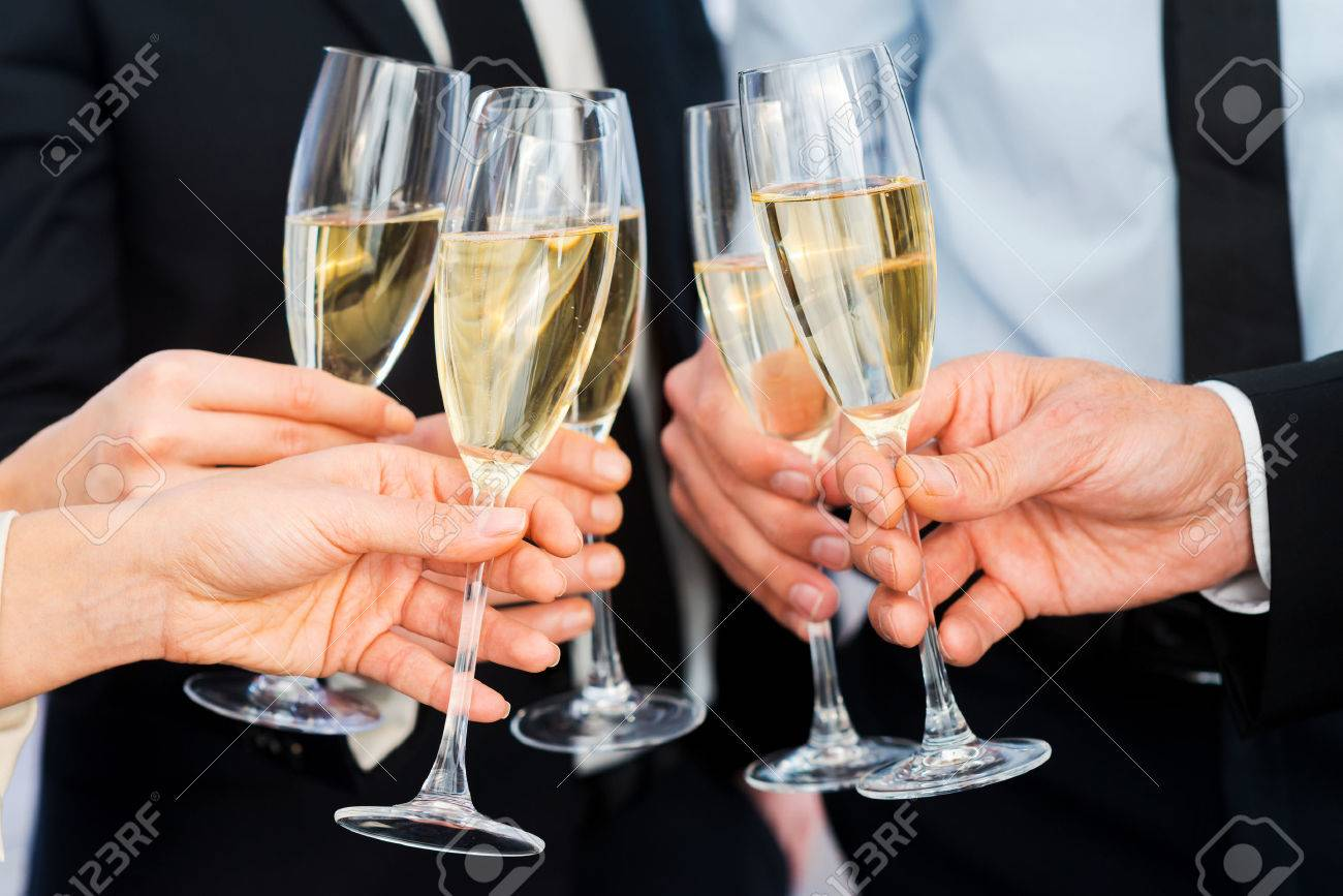https://previews.123rf.com/images/gstockstudio/gstockstudio1412/gstockstudio141200272/34376821-cheers-to-success-close-up-of-business-people-holding-flutes-with-champagne.jpg
