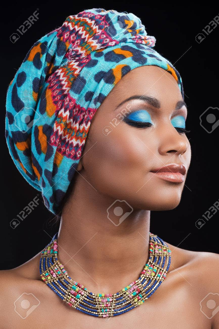 collier femme africaine