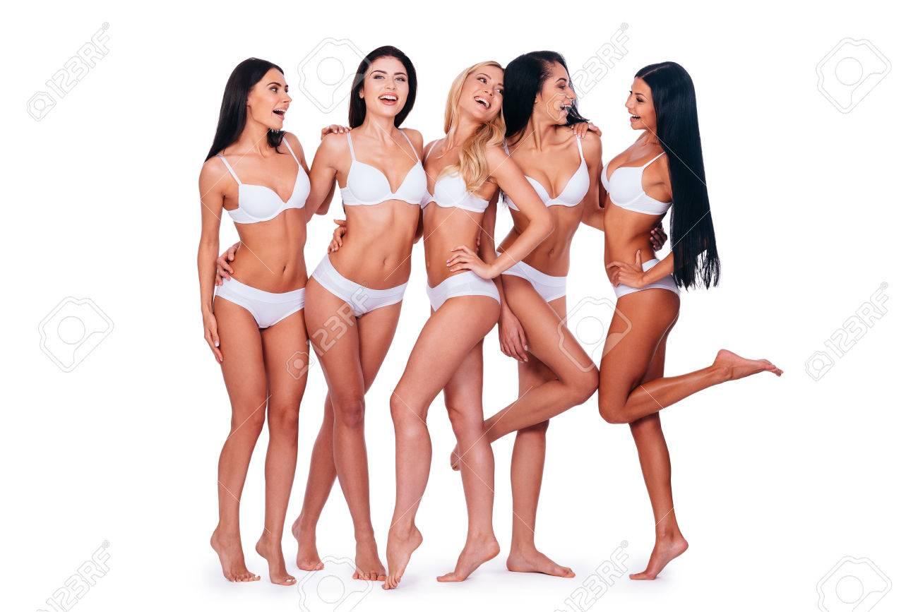 Mädchen Die Spaß In Voller Länge Von Fünf Schöne Frauen In Dessous