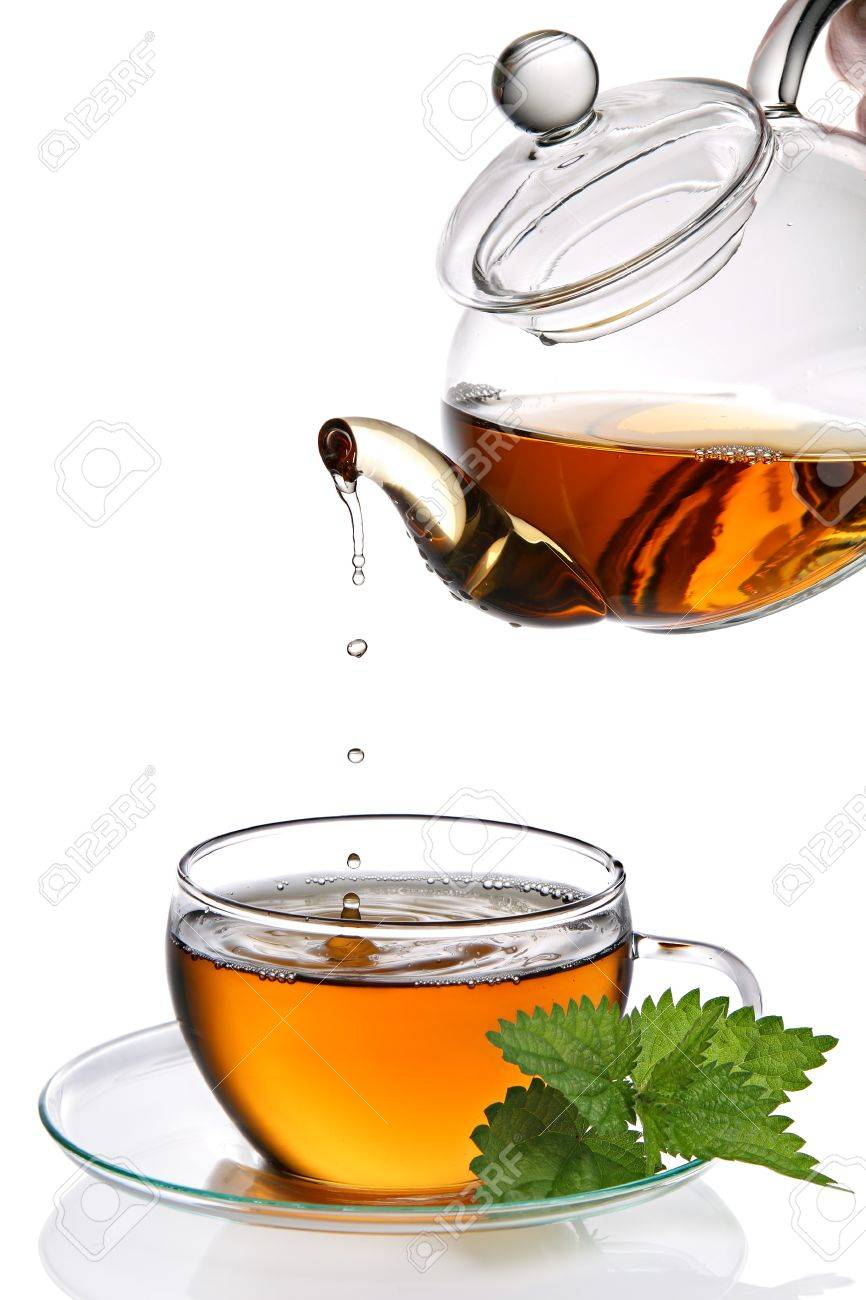 Tea dripping into cup Stock Photo - 8850198