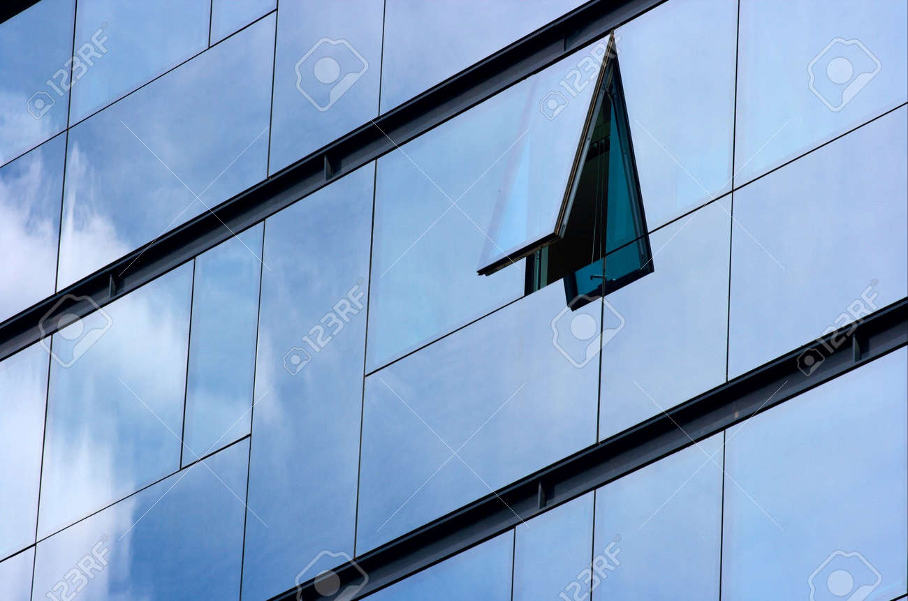 Modern office building with cloud and sky reflection Stock Photo - 957735