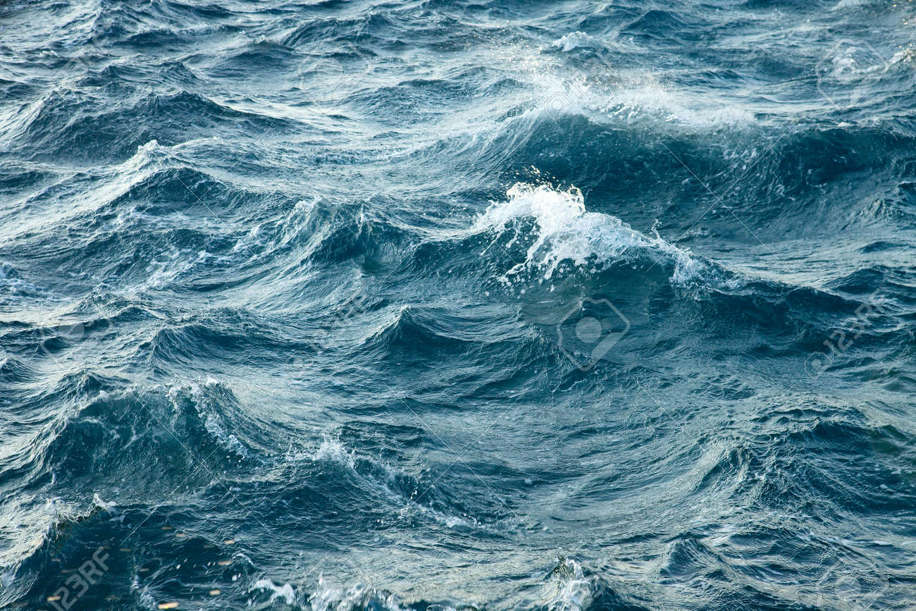 Waves of the stormy sea - 22490595