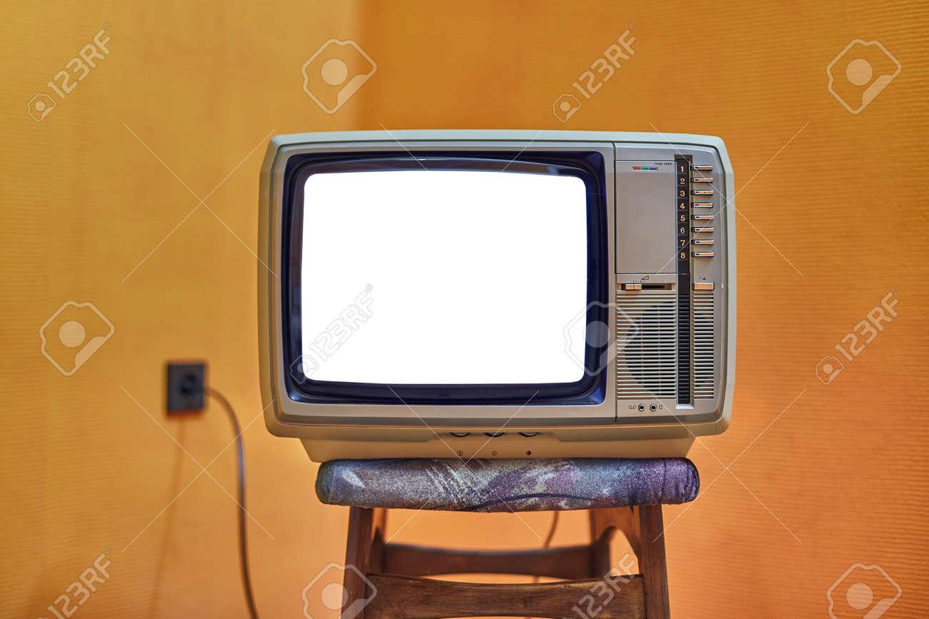 Old TV no signal - 135814067