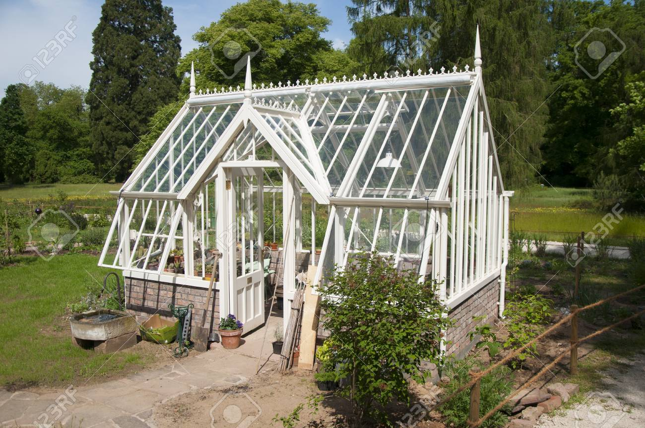 Remarkable English Style Greenhouse Home Interior And Landscaping Ponolsignezvosmurscom