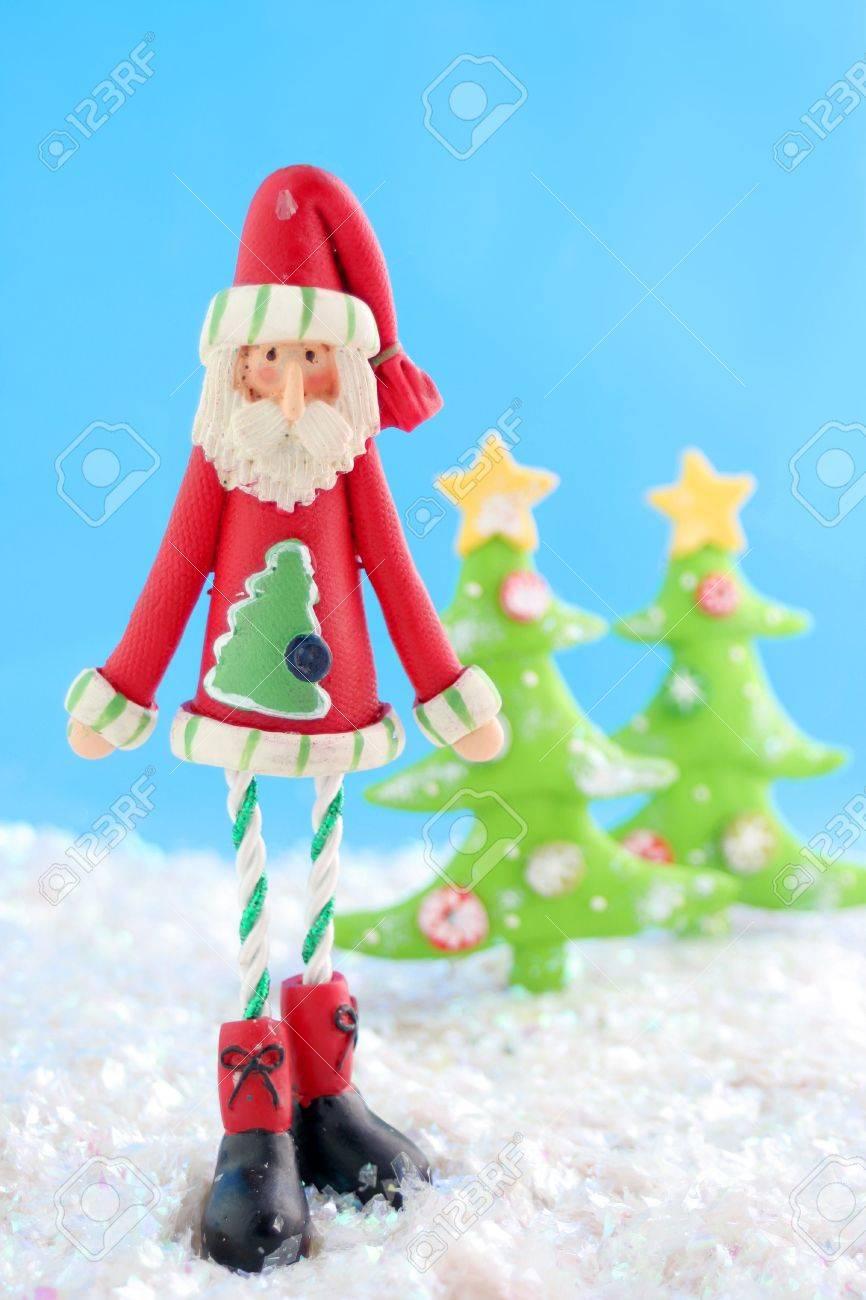 Schlank Weihnachtsmann Weihnachten Dekoration Auf Gefälschte Schnee ...