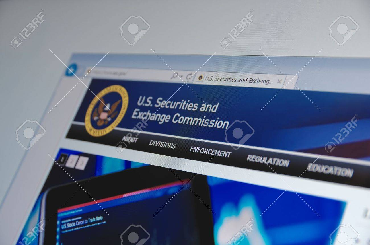 Saransk, Russia - November 04, 2015: U.S. Securities and Exchange Commission main page on its web site in Saransk, Russia, on November 04 2015. Selective focus. - 57305470