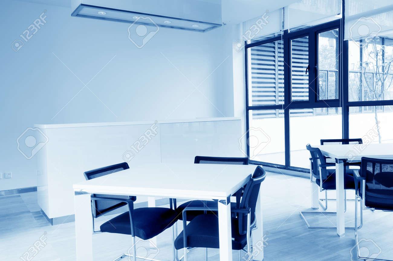 Moderne minimalistische stijl lounge indoor royalty vrije foto
