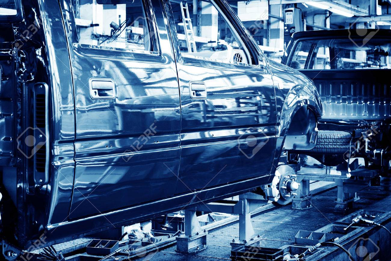 Factory floor, car production lines. Standard-Bild - 31313021