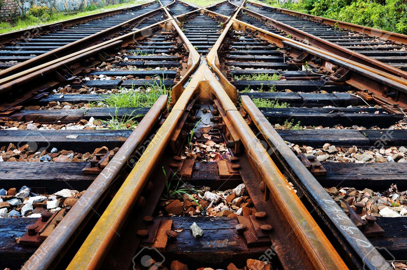 Close-up close-up shots of the tracks - 39497430