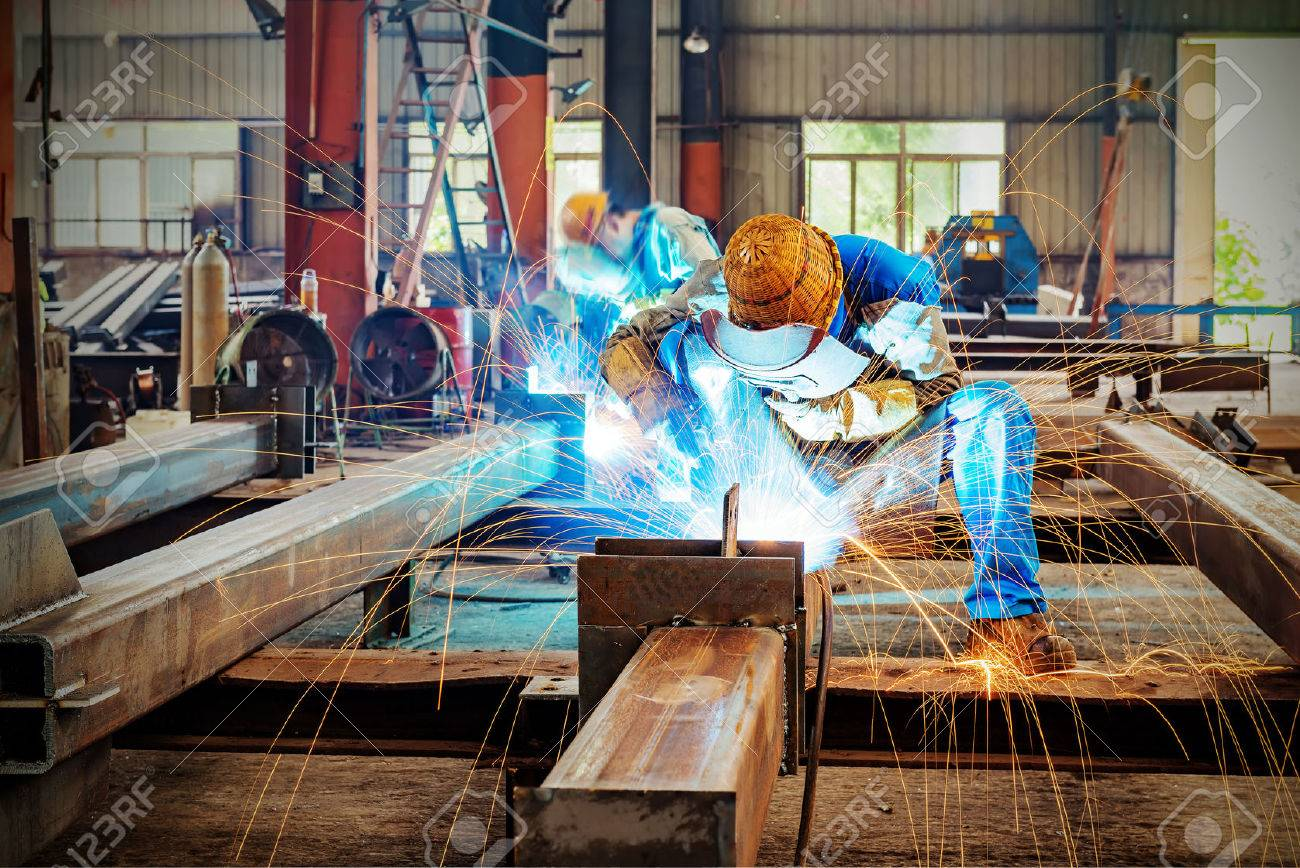 Sparks from the cutting of steel produced Standard-Bild - 44437828