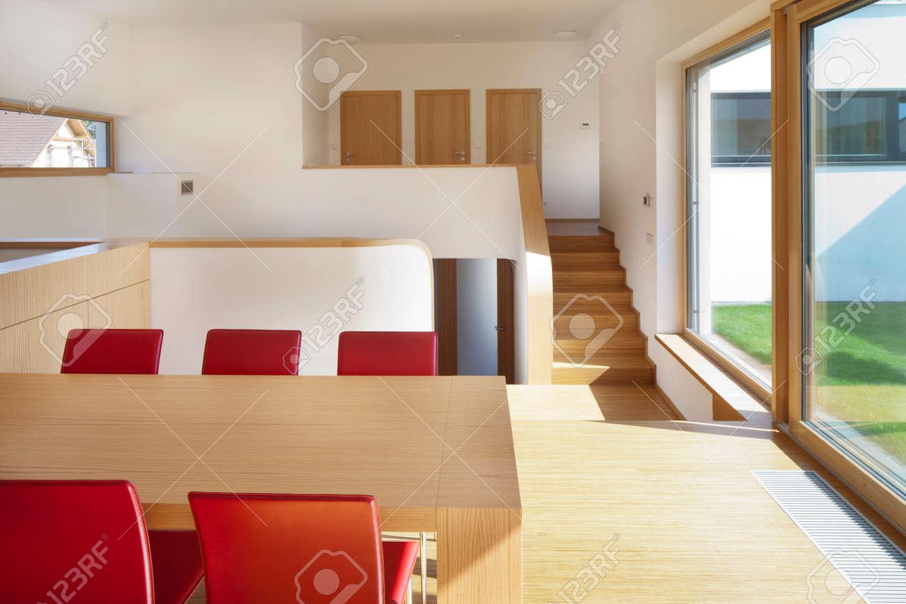 Schöne Neue Ruhige, Moderne Wohnzimmer Mit Küche Lizenzfreie Fotos ...