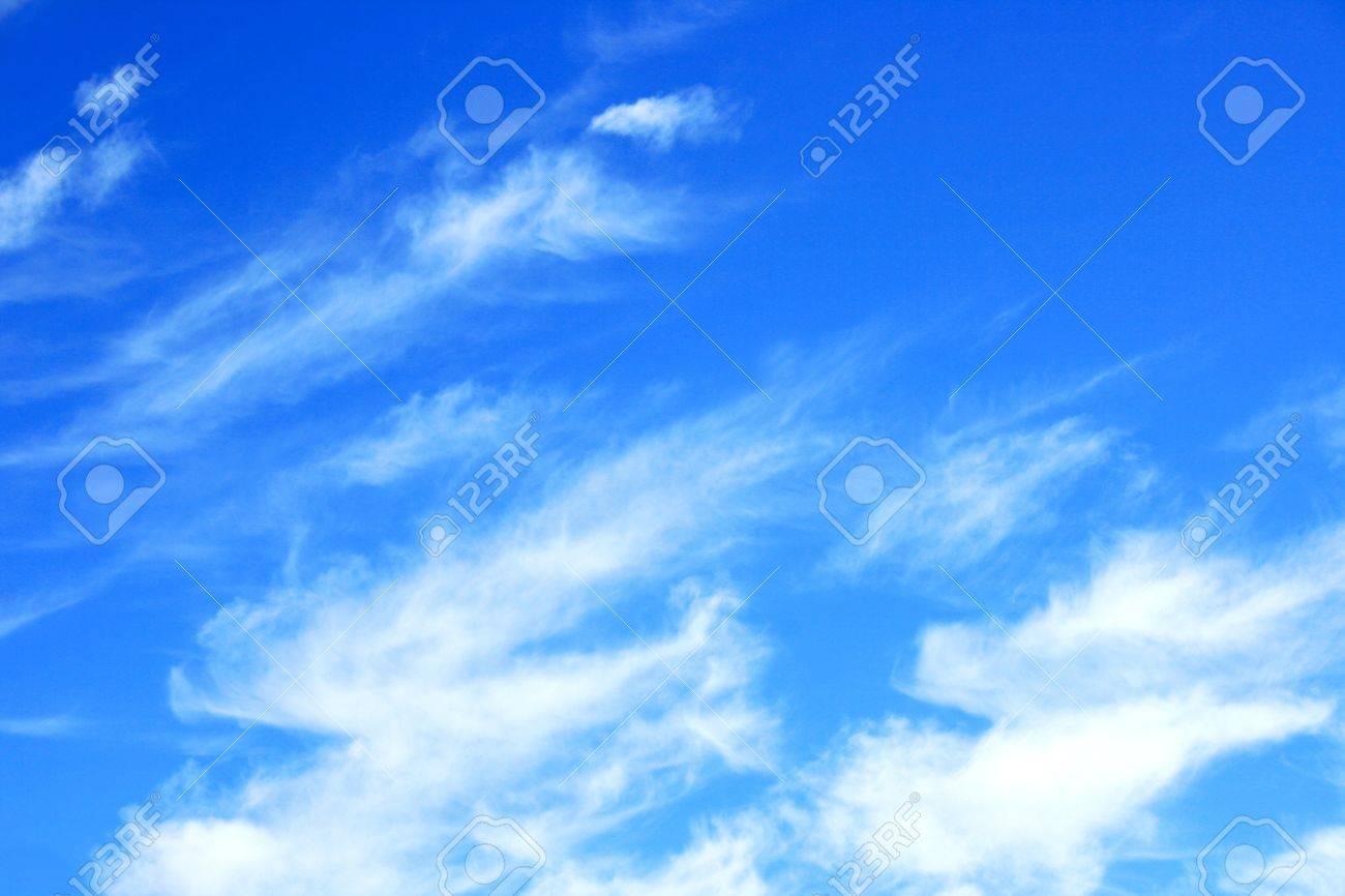大きなふわふわ雲高積雲ボー ロ...