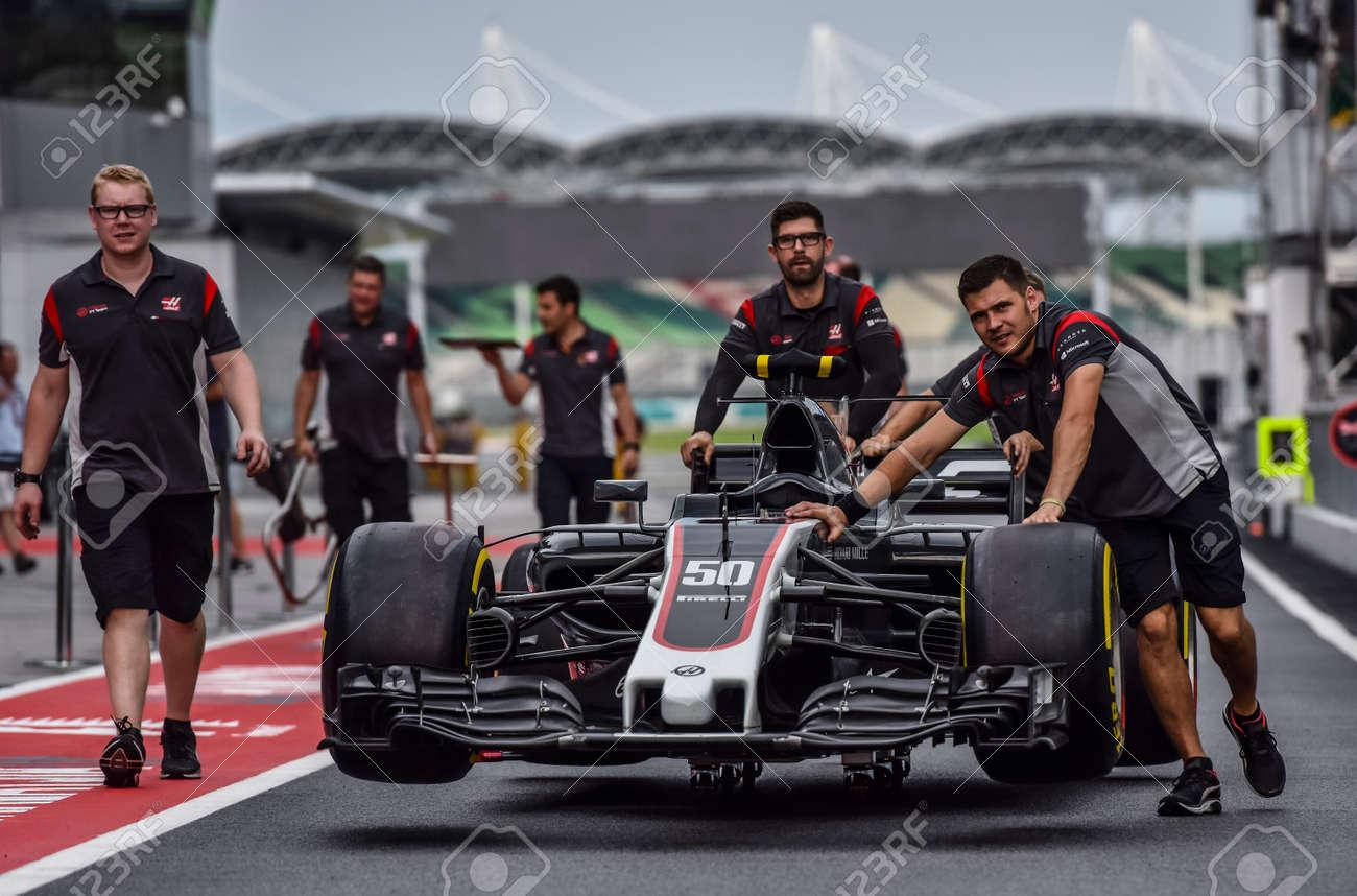 Kuala Lumpur Malaysia September 28 2017 Team Mechanics Stock Photo Picture And Royalty Free Image Image 145825291