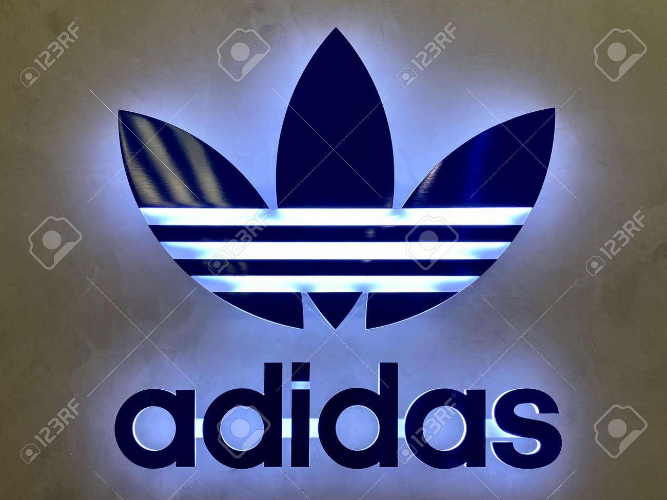 adidas original one utama