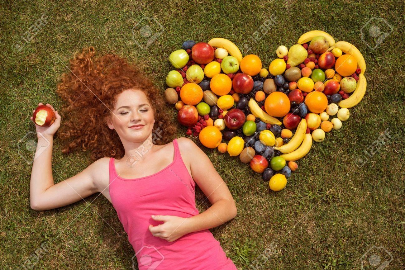 Сочная кормящая дама 6 фотография