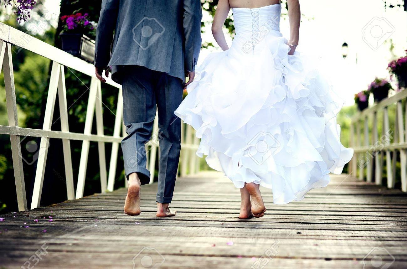 Beautiful wedding couple is enjoying wedding Stock Photo - 17972136