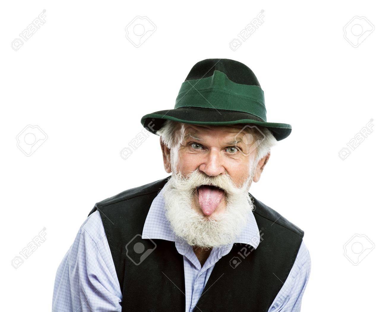 Retrato De Anciano Con Barba En El Sombrero Bávaro Tradicional ...
