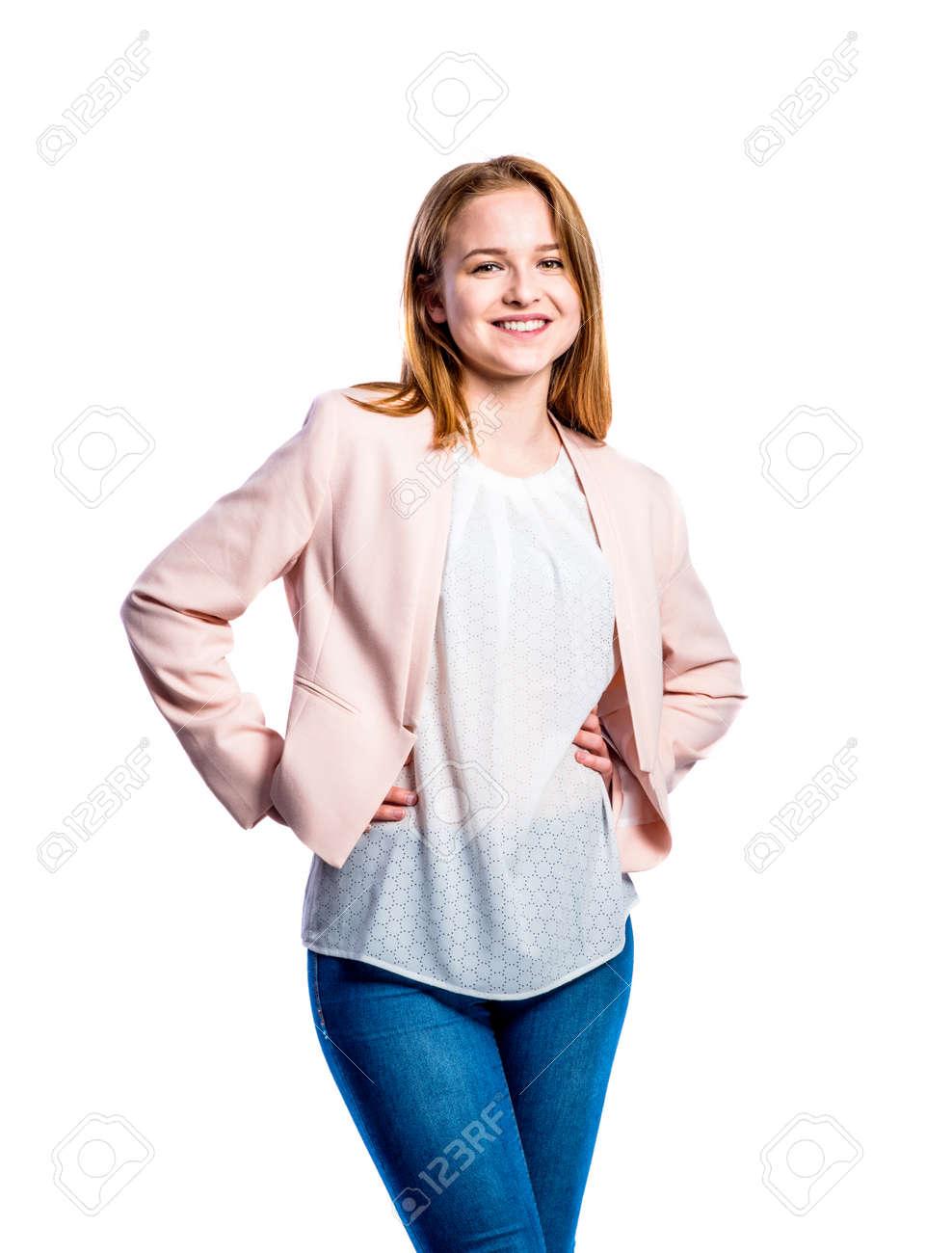 Rose Une Et Adolescente Chemise Femme Jeune Blanche En Veste Jeans 00qSrX