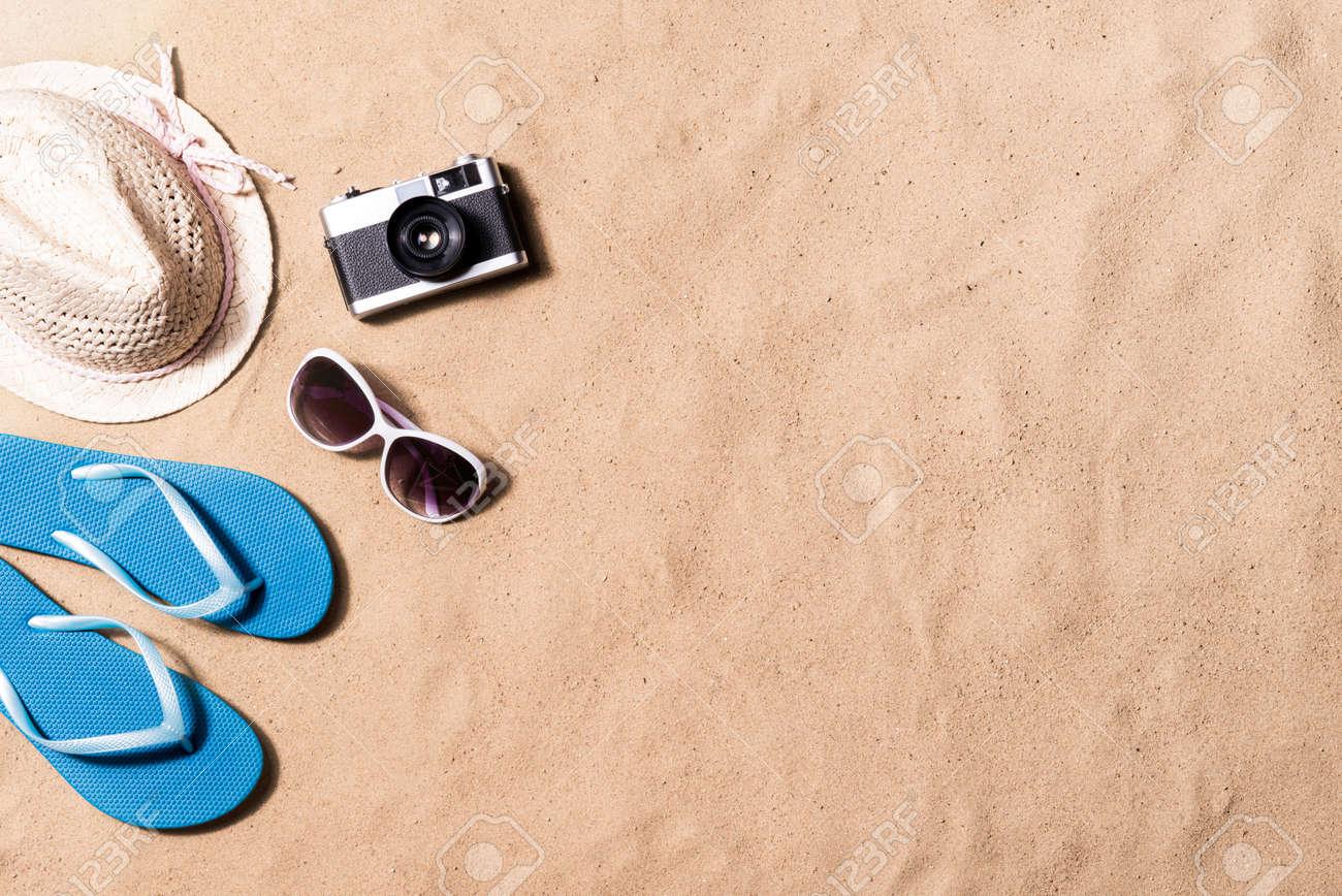 Composición De Las Vacaciones De Verano Con Un Par De Sandalias Azul ...