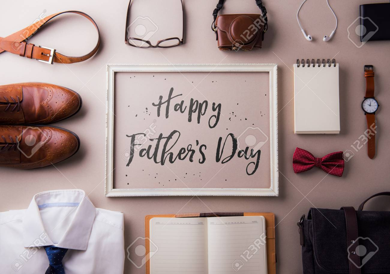 Fathers day greeting card concept. Flat lay. - 102119652