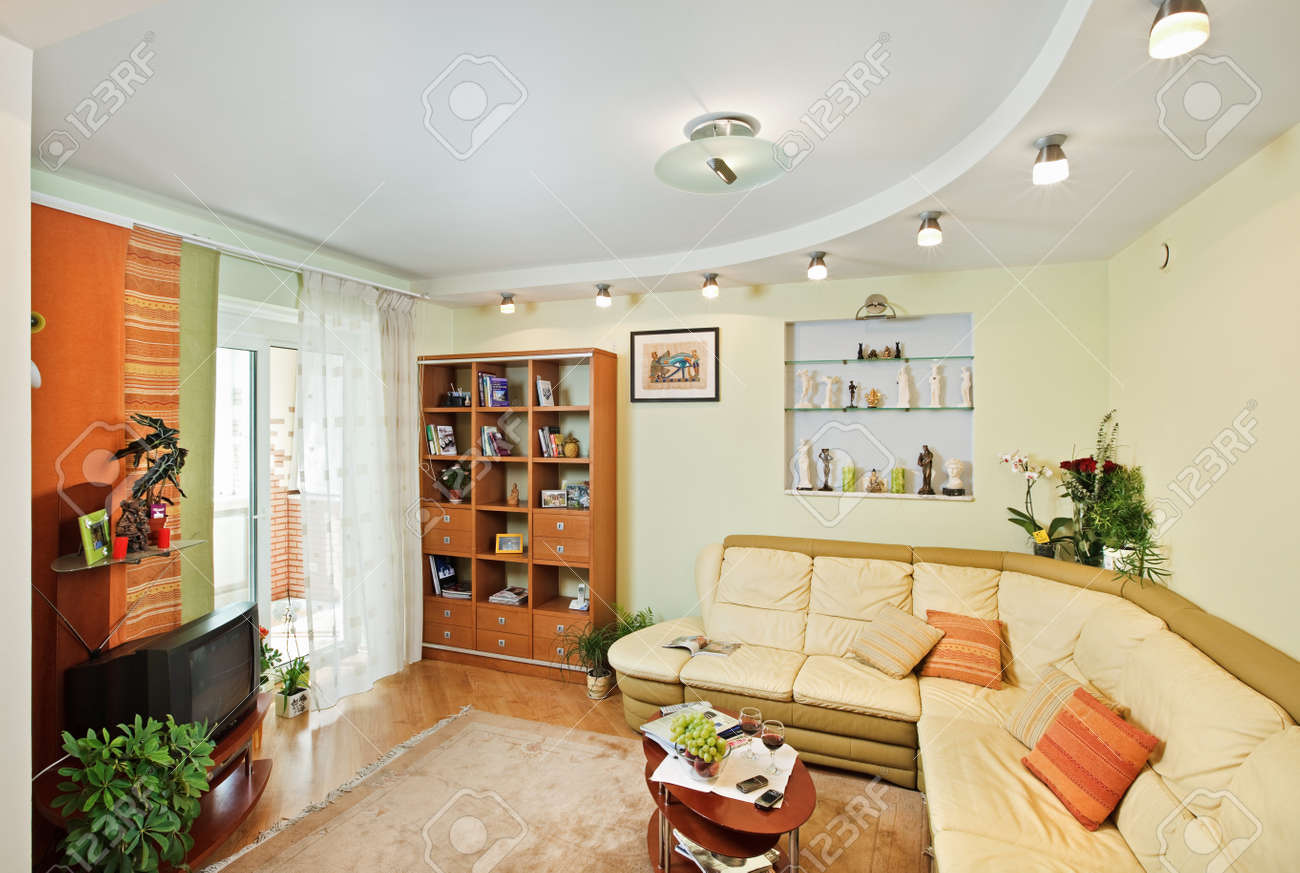 Drawing-room Interior with beige corner leather Sofa Stock Photo - 7409419