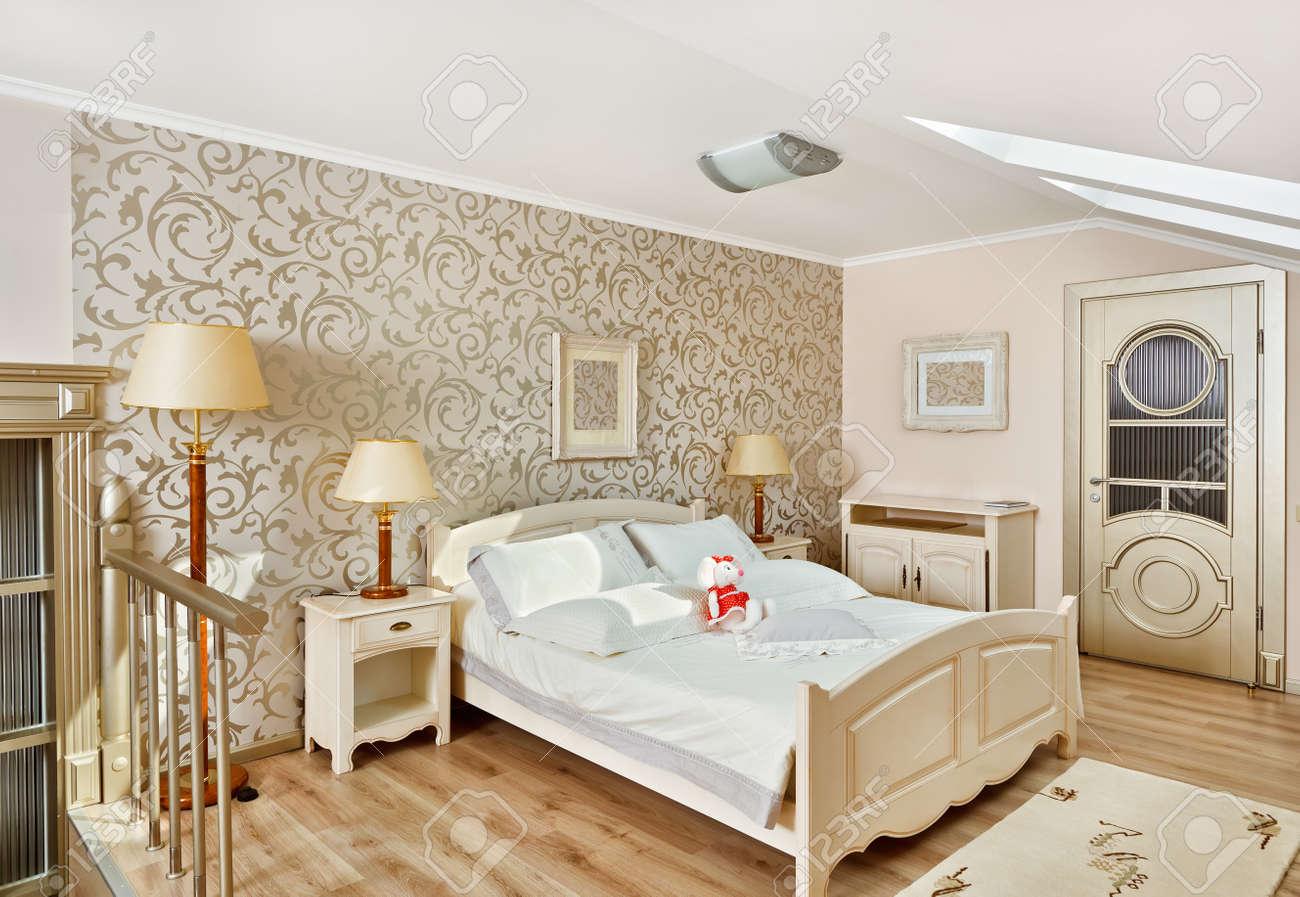 Moderne art deco stijl slaapkamer interieur in lichte beige ...