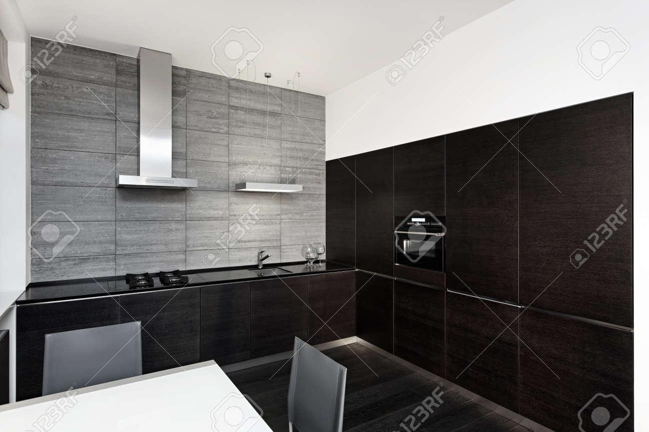 Moderne minimalistische stijl keuken interieur in zwart wit tinten ...